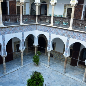 Etude de faisabilité pour la mise en oeuvre d'un projet de valorisation du palais Dar El Hamra à Alger pour la région Île-de-France